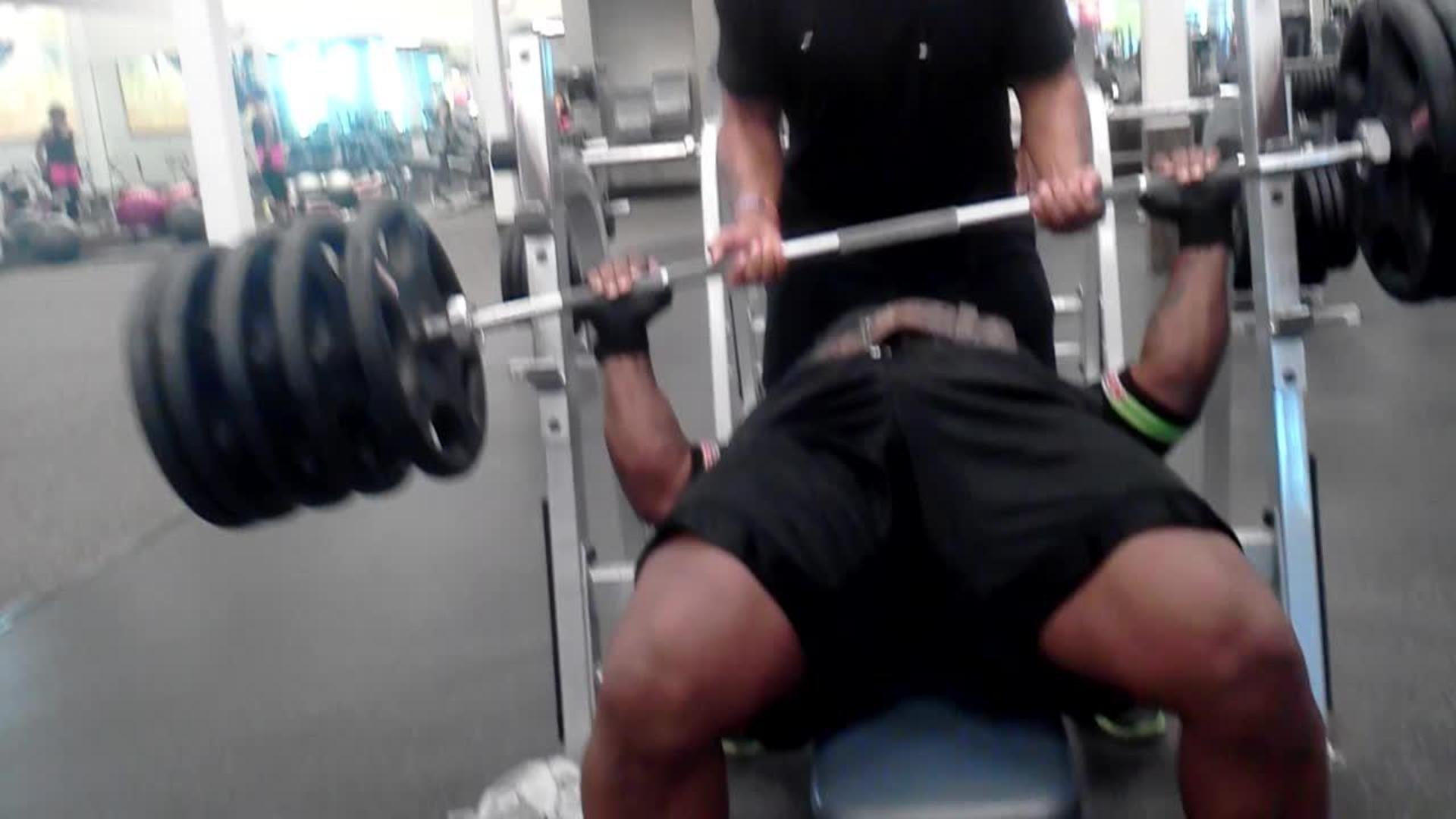 Jerk off during bench press